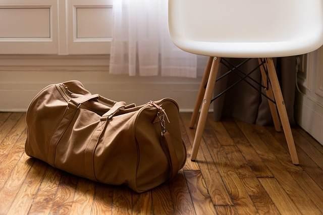 1歳児と旅行に行く際に荷物を積めるカバン