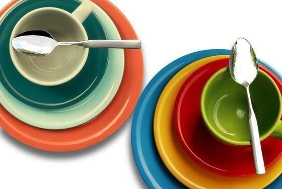 お皿とスプーン