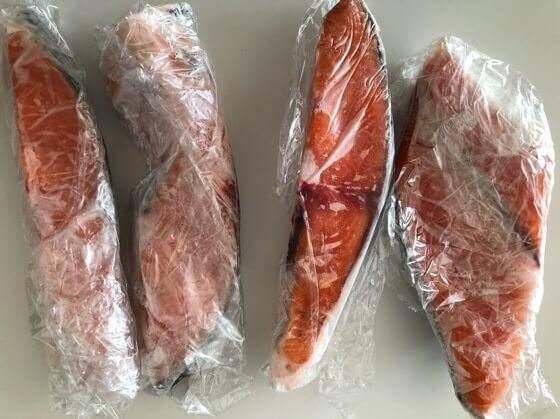 激安スーパーロピアで買った安い鮭