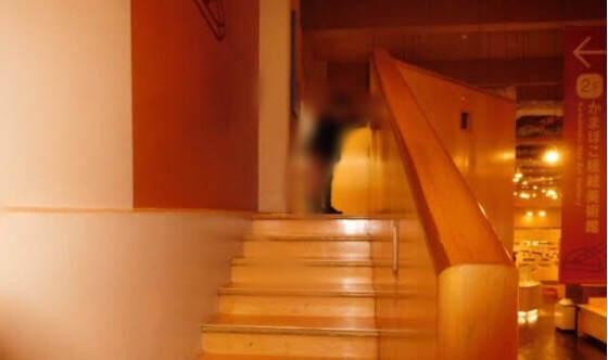 神奈川県小田原市にある鈴廣かまぼこの里のかまぼこ博物館の階段