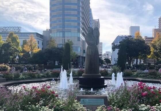 横浜みなとみらいの山下公園の噴水広場