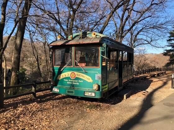 多摩動物公園にあるバス
