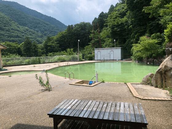 箱根にある湯の里おかだのプール