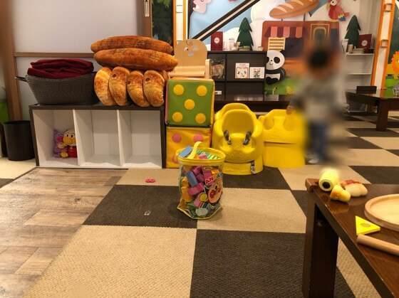 町田にあるサニーベッカリーの33icafeのキッズスペースにあるおもちゃ