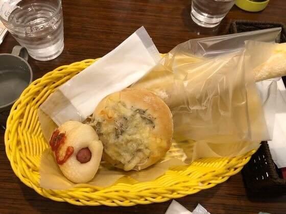 町田にあるサニーベッカリーの33icafeに持ち込んだパン