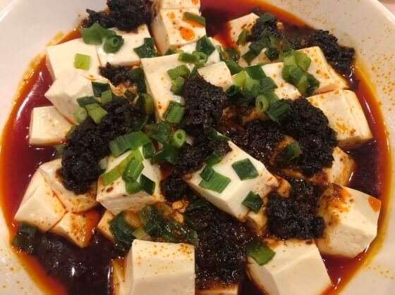 京華樓の麻婆豆腐の素にネギを加えて作った麻婆豆腐