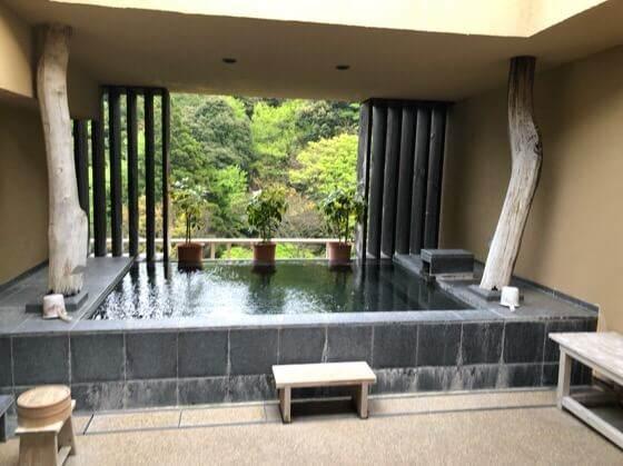 箱根湯本にある箱根水明荘の天空露天風呂