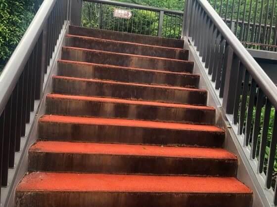 箱根小涌園ユネッサンの超展望露天風呂に向かう途中の階段