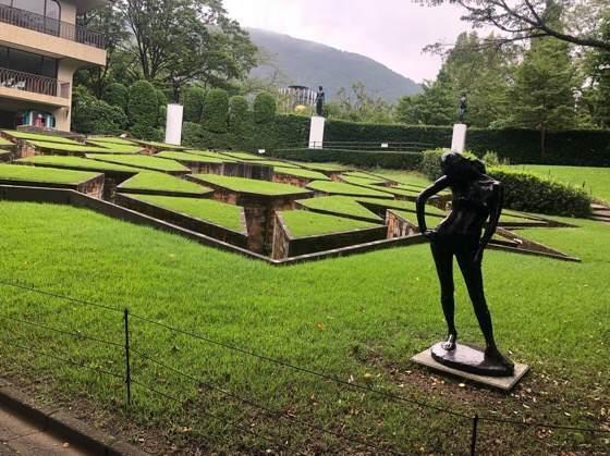 箱根彫刻の森美術館にある星の庭の迷路