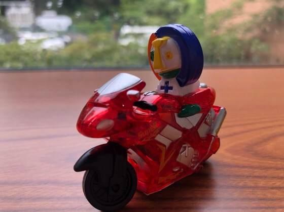 箱根彫刻の森美術館のミュージアムショップで買ったチョーピカ君のバイク