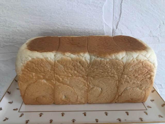 銀座にしかわの食パンを切る前