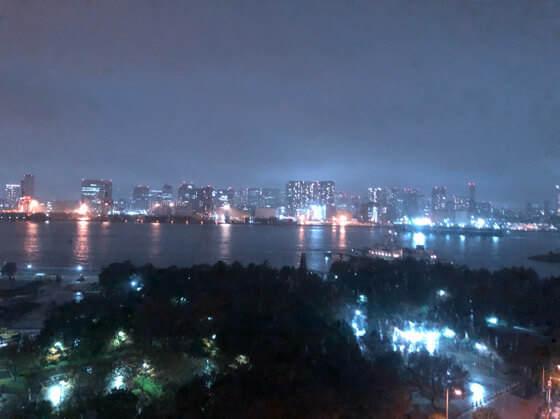 グランドニッコー東京台場のスーペリアツインの部屋から見える夜景
