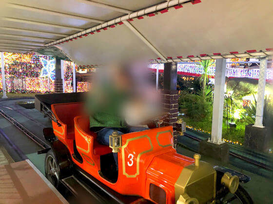 よみうりランドで3歳の息子が乗ったジュラシックカー