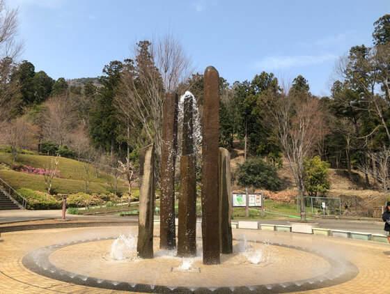 あいかわ公園の中央広場の噴水