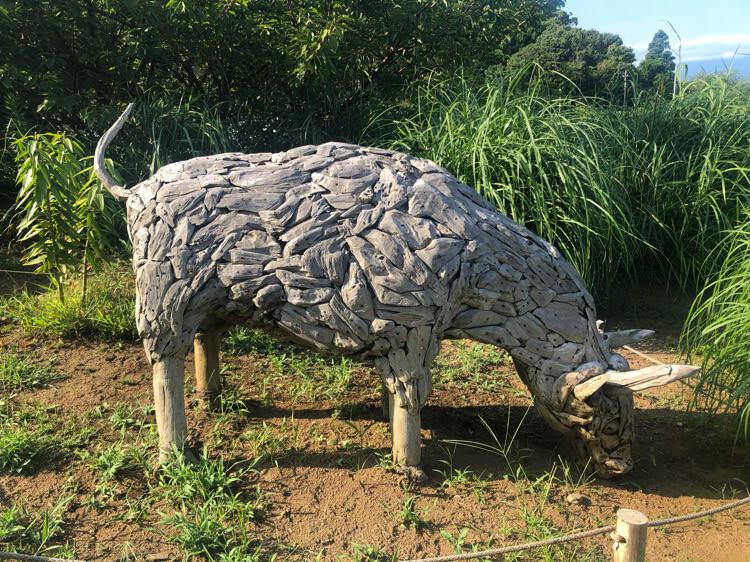 一夜城ヨロイヅカファームの羊のオブジェ