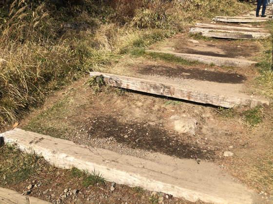 清里テラスの山頂展望デッキまでの階段