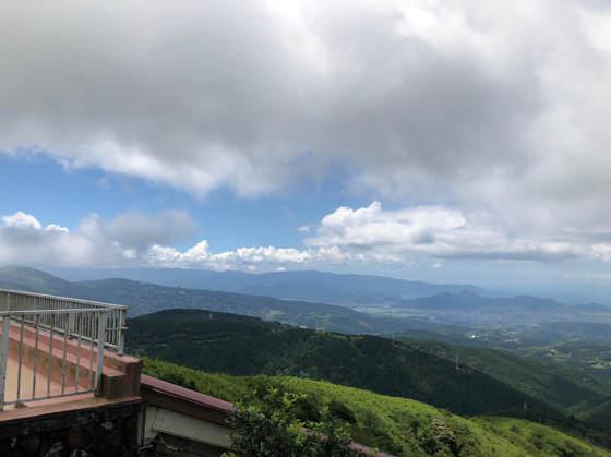 箱根・熱海の十国峠の展望デッキから見える景色