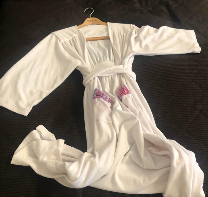 箱根にあるホテルマイユクール祥月のバスローブ