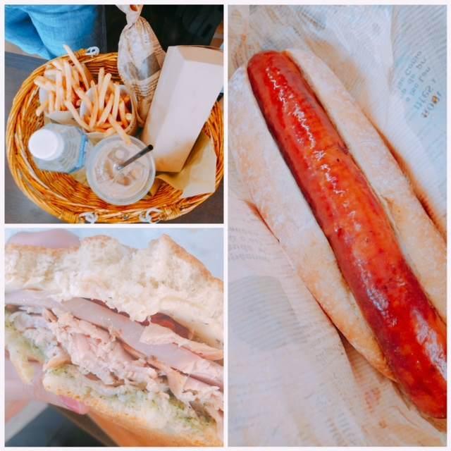 三島スカイウォークにあるピクニックカフェのホットドッグとポテト