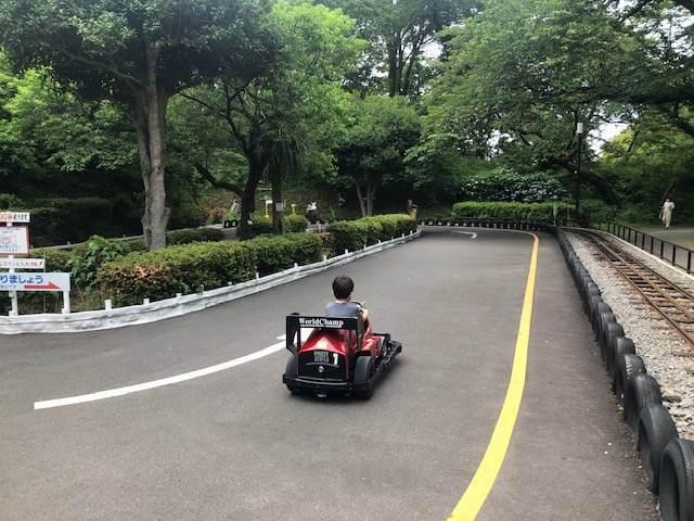 小田原城址公園こども遊園地のバッテリーカー