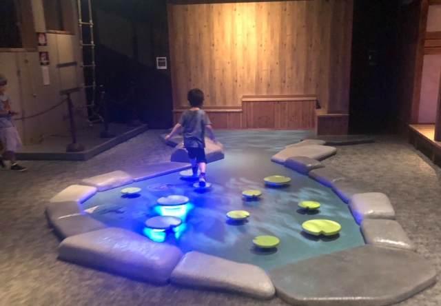 小田原の忍者館で体験した水術