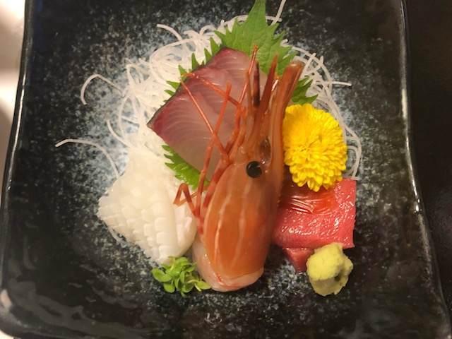 箱根湯本にある箱根水明荘の夕食の刺身