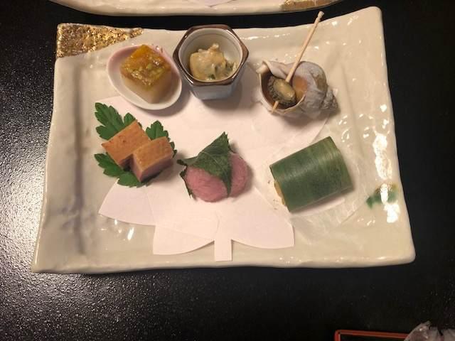 箱根湯本にある箱根水明荘の夕食の前菜