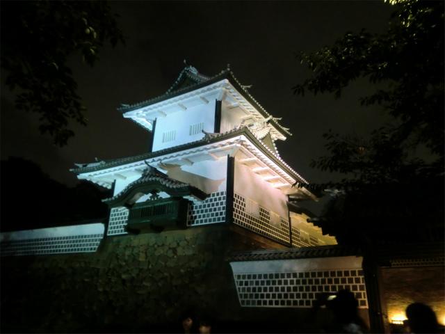 夜の金沢城