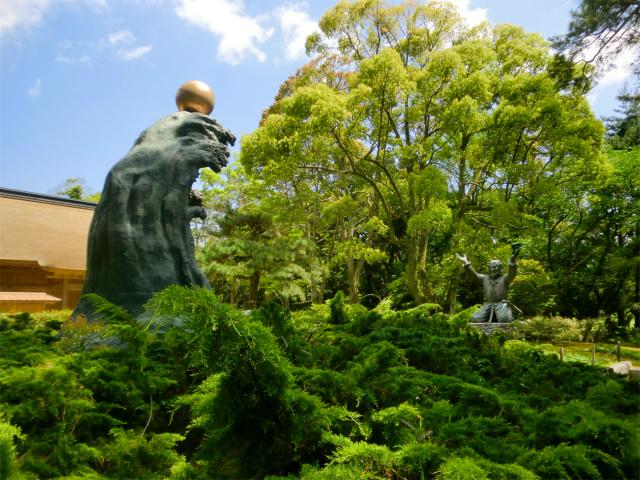 出雲大社の大国主命の御神像