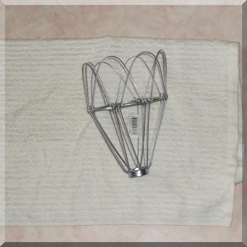半分に折ったバスタオルで電球ガードを