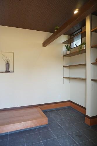 岡山市 自然の素材を使った平屋の家・土間収納