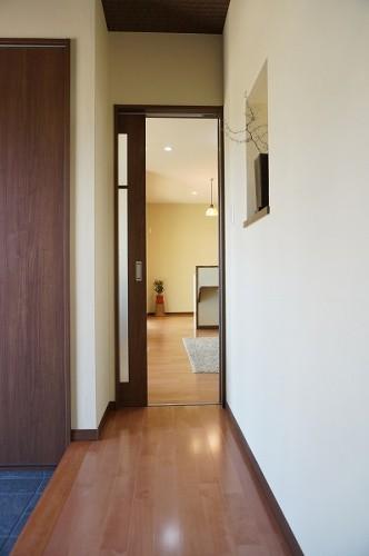 岡山市 自然の素材を使った平屋の家・玄関