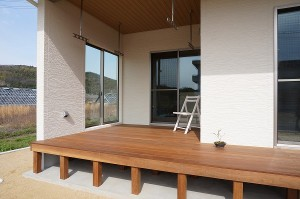 岡山市 自然の素材を使った平屋の家・外観