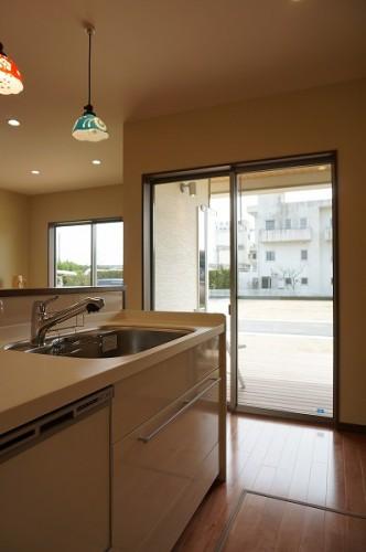 岡山市 自然の素材を使った平屋の家・キッチン