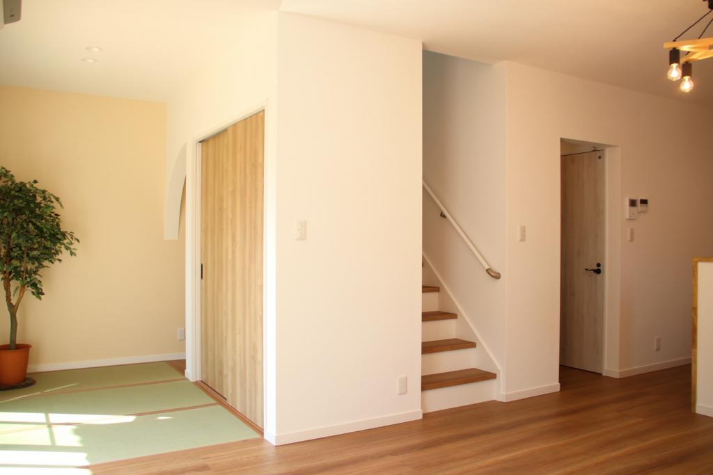 1階リビングと和室
