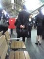 きょうは月曜日、ここは京都駅21:47