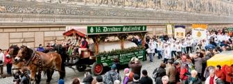 336_Striezelmarkt_Stollenfest_Umzug-Fuerstenzug.jpg