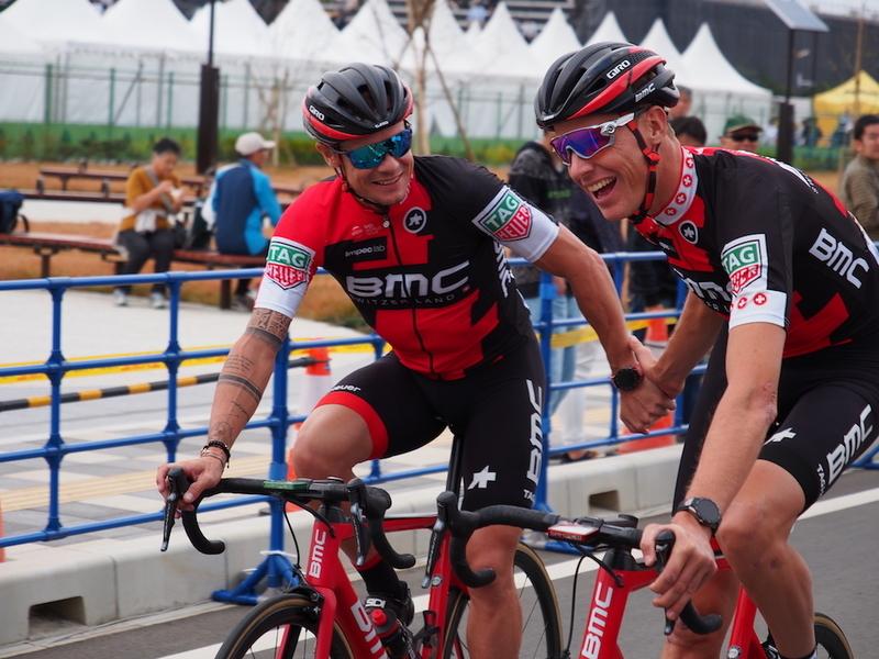 ニコラス・ロッシュと、ミヒャエル・シェアー(BMC レーシングチーム)