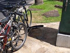 ホノルルの駐輪所