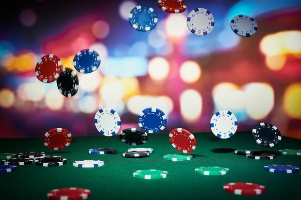 Pertandingan Poker Direkam Banyak Reporter