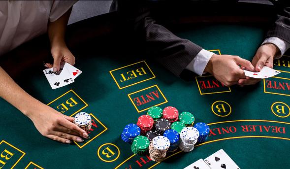 Target Bermain Poker Akhir Tahun