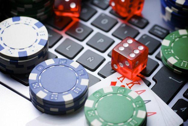 Laporan Untuk Keuntungan Poker Perusahaan