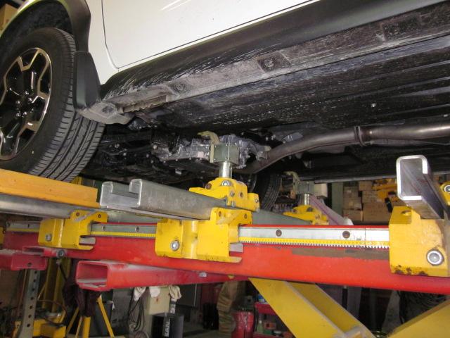 トランクフロア 修正 修理