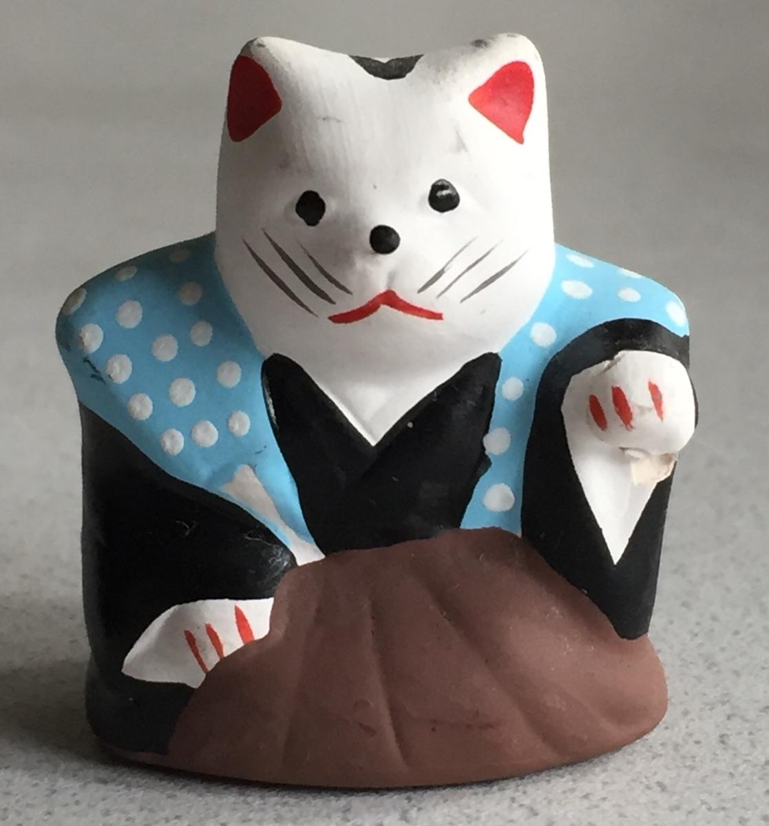 小さい招福猫の人形