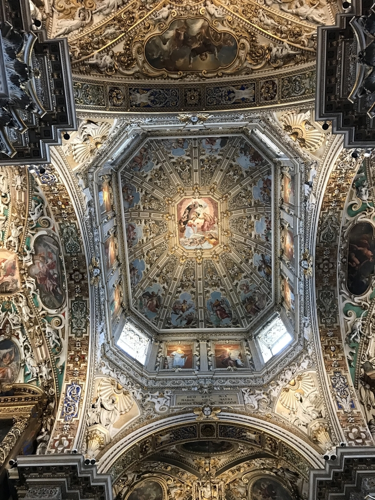 サンタ・マリア・マッジョーレ教会天井すっごい綺麗