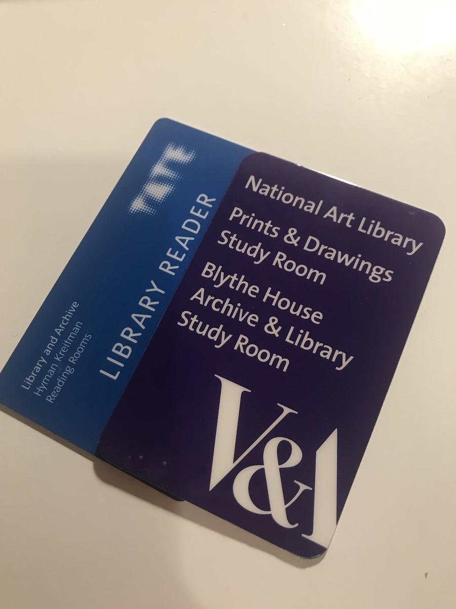 TateとV&Aの図書館閲覧許可カード
