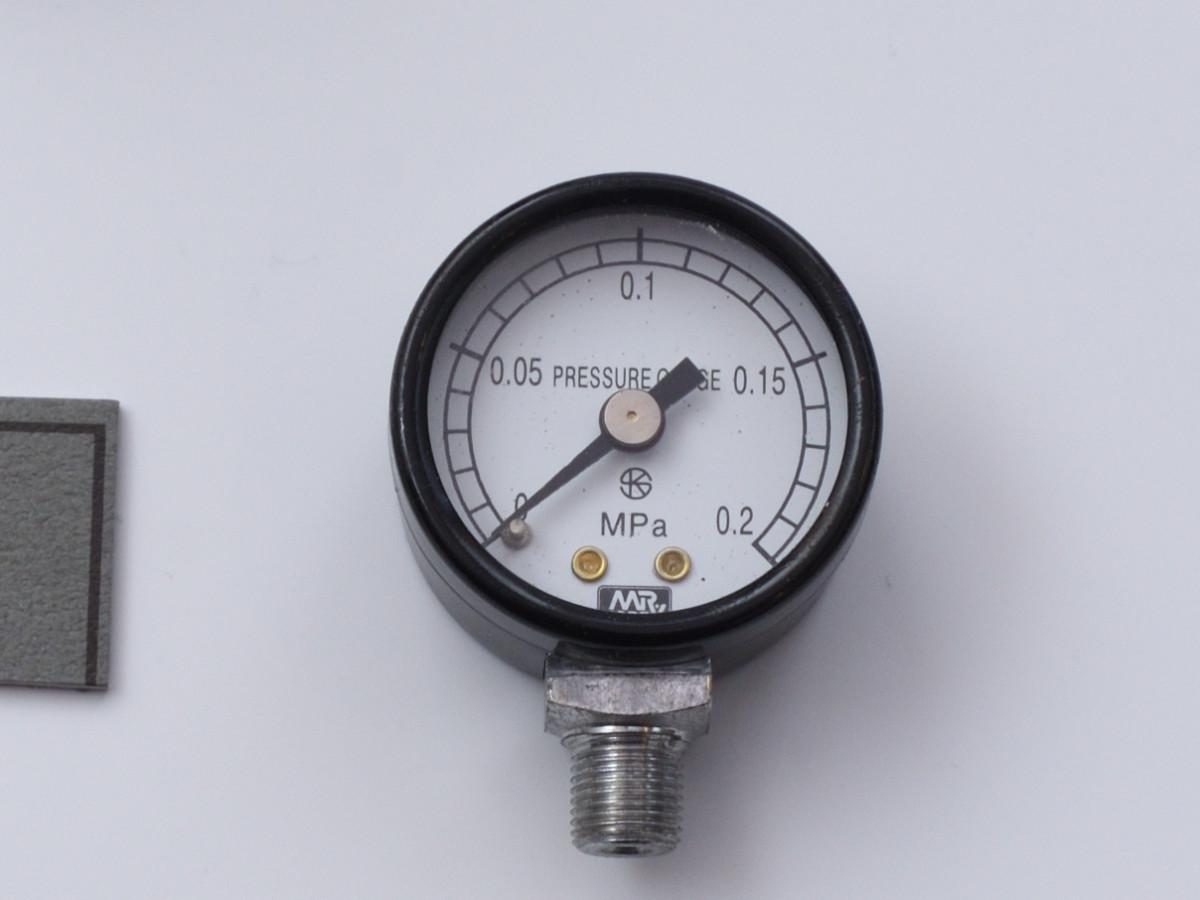 圧力計を交換