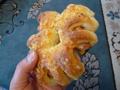 チーズとウインナーのパン ミッシュ