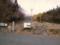 駐車場から見る入口付近 久井の岩海