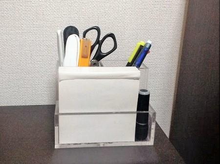 アクリル小物スタンドと再生紙ブロックメモ